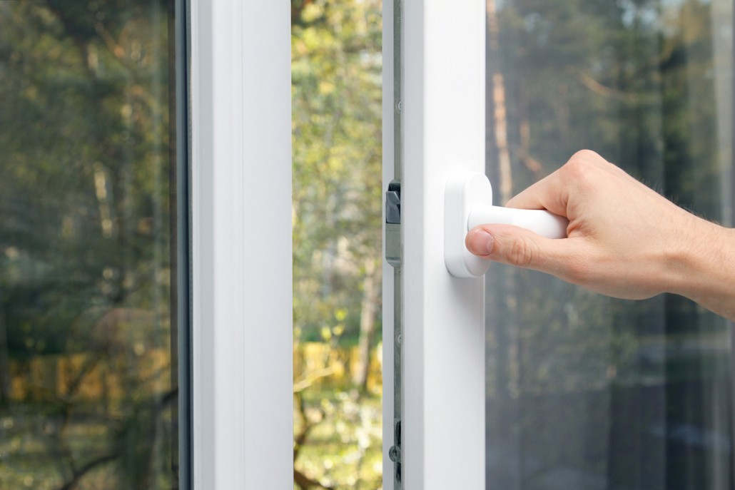 Установка пластиковых окон и балконной двери специалистами к.